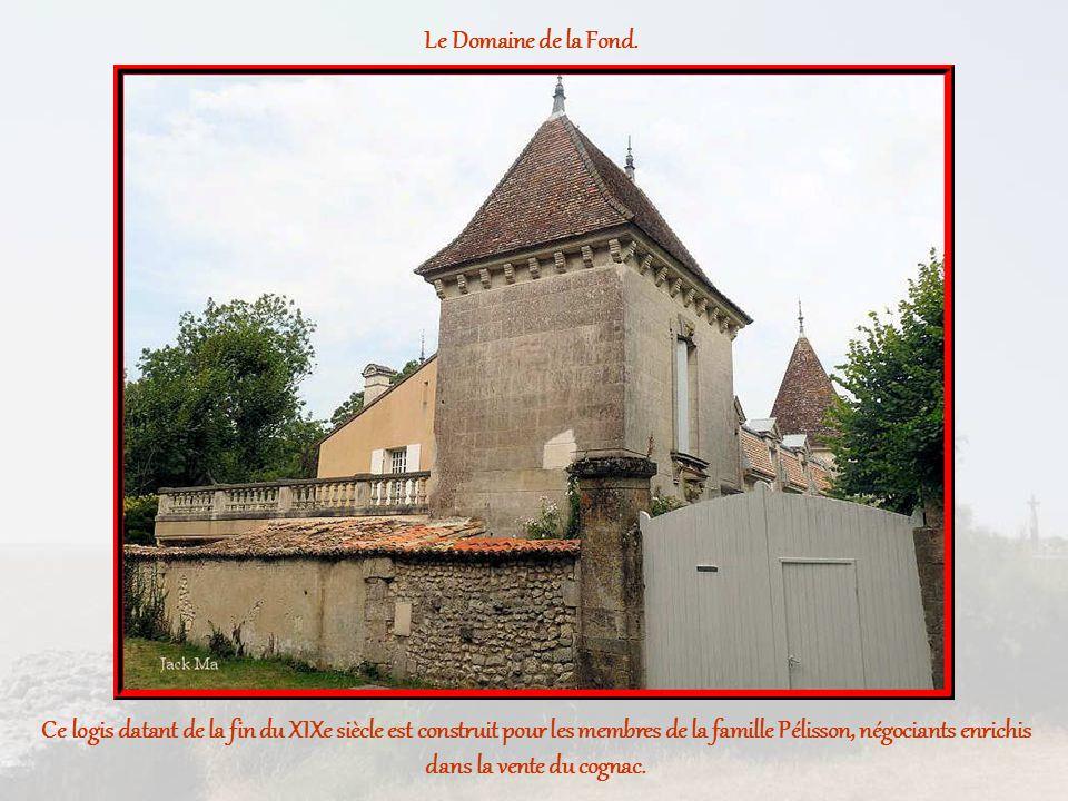 Ce logis datant de la fin du XIXe siècle est construit pour les membres de la famille Pélisson, négociants enrichis dans la vente du cognac.