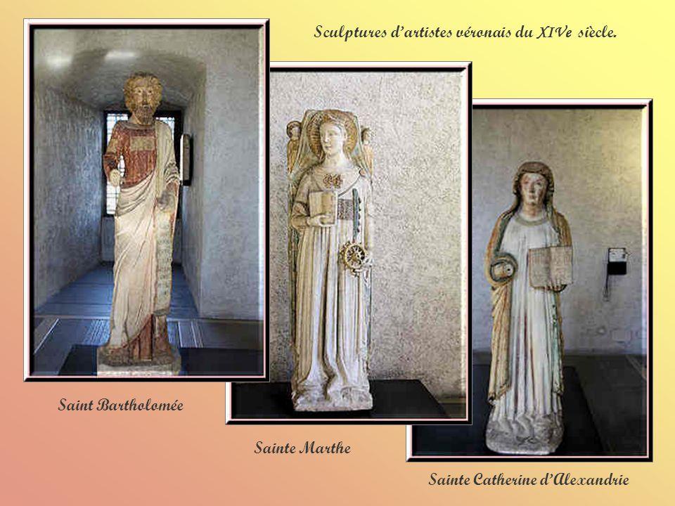 Cariatide ( XIIIe siècle) Crucifixion ( XIVe siècle) Madone avec enfant ( XIVe siècle)