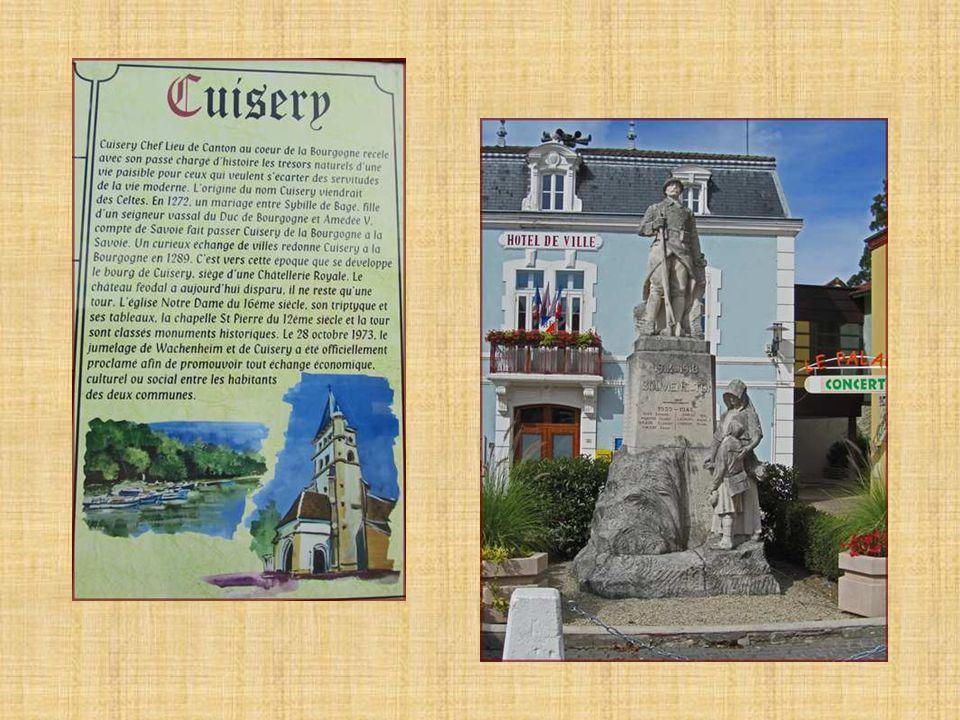 Bienvenue au « Village du Livre » de CUISERY (au cœur de la Bourgogne du Sud) Situé dans le département de la Saône-et-Loire Ouvert toute lannée, le premier dimanche de chaque mois (créé en juillet 1999) Environ 1700 habitants