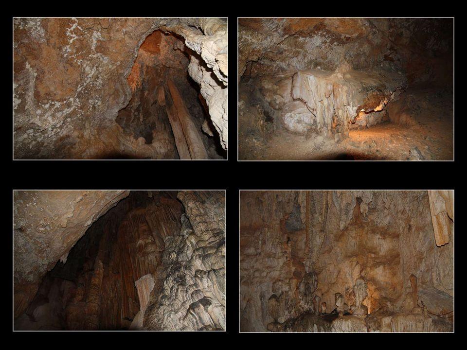 des draperies… des stalactites …