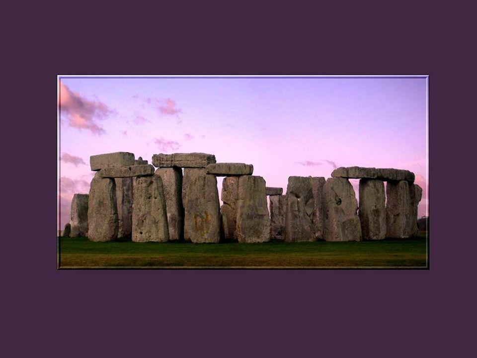 Il est probable que Stonehenge a servi un moment de temple, comme beaucoup de monuments préhistoriques qui lui ressemblent.