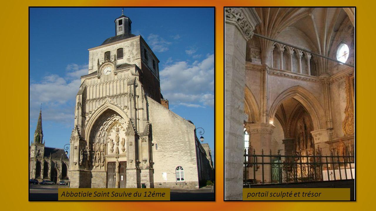 Musée de France Roger Rodiere articles religieux et peintures