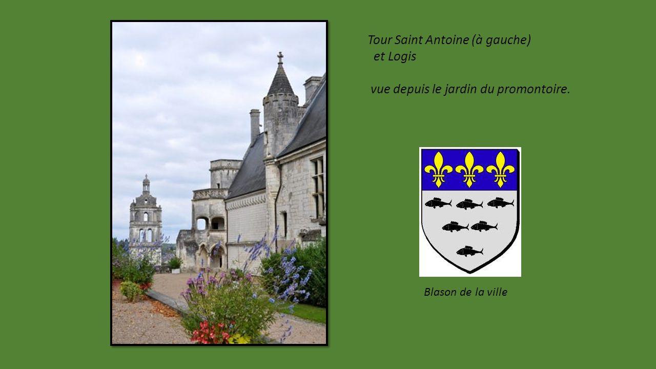 Logis Royal un joyau Renaissance du 14éme siècle.
