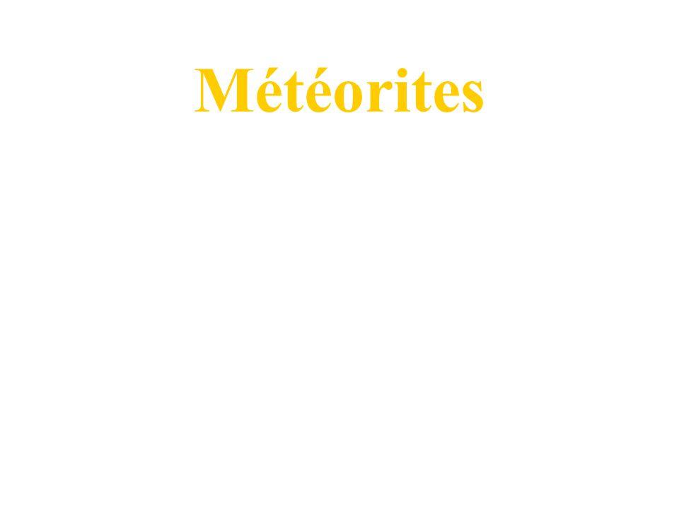 0 La Lune Coulés basaltiques sur les surfaces plates (2.5 à 3.8 Ga) Plagioclase, pyroxène, olivine Peu de Fe en comparaison avec la Terre Sans volatiles Origine par impact dune proto-planète sur la Terre Lunaite