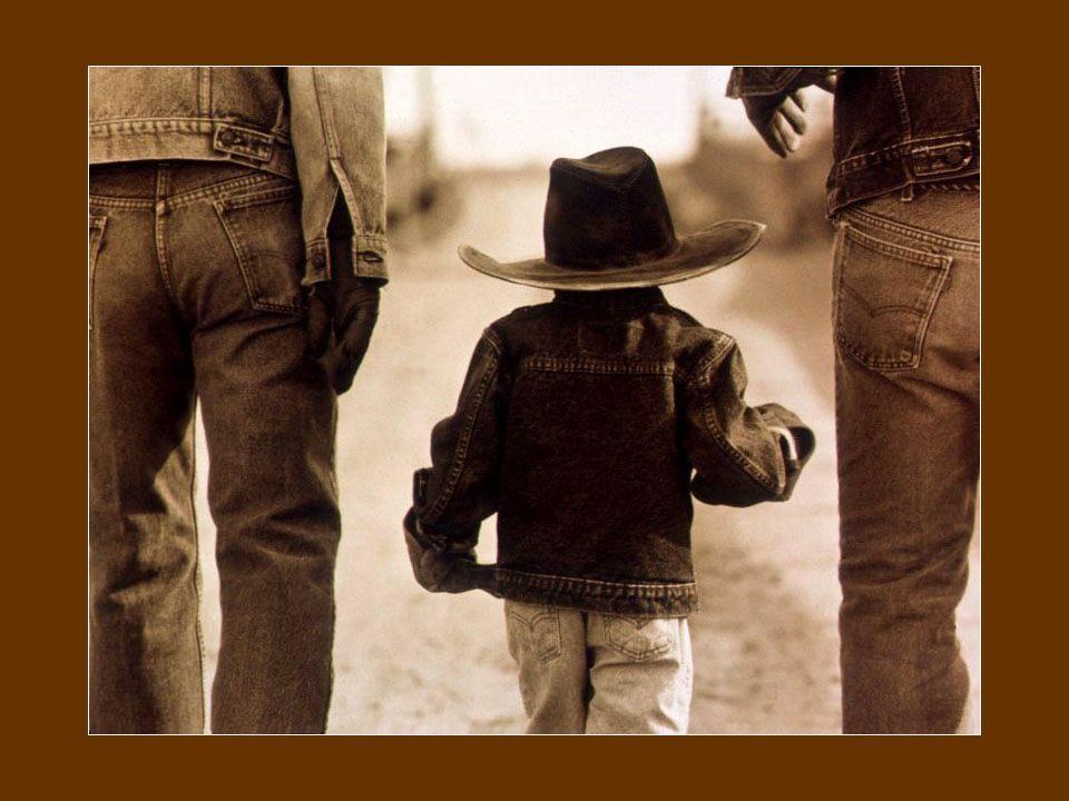Un petit bonheur c'est dès le réveil De pouvoir se lever Et de pouvoir marcher.