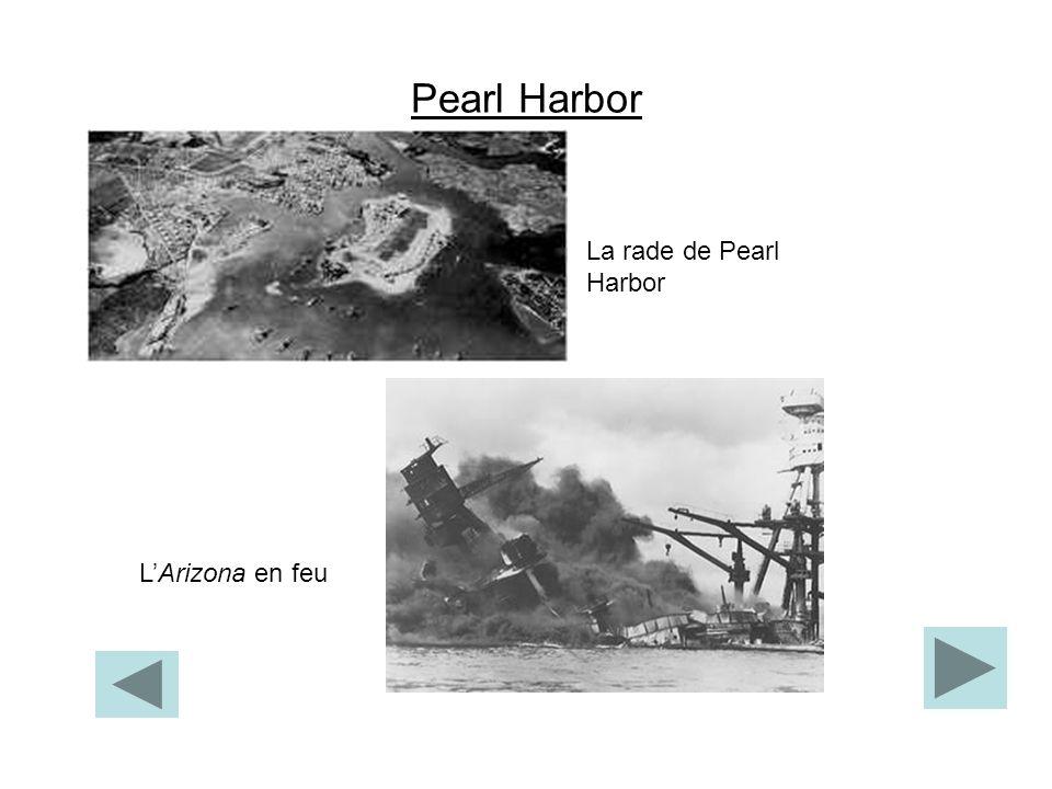 Pearl Harbor La rade de Pearl Harbor LArizona en feu