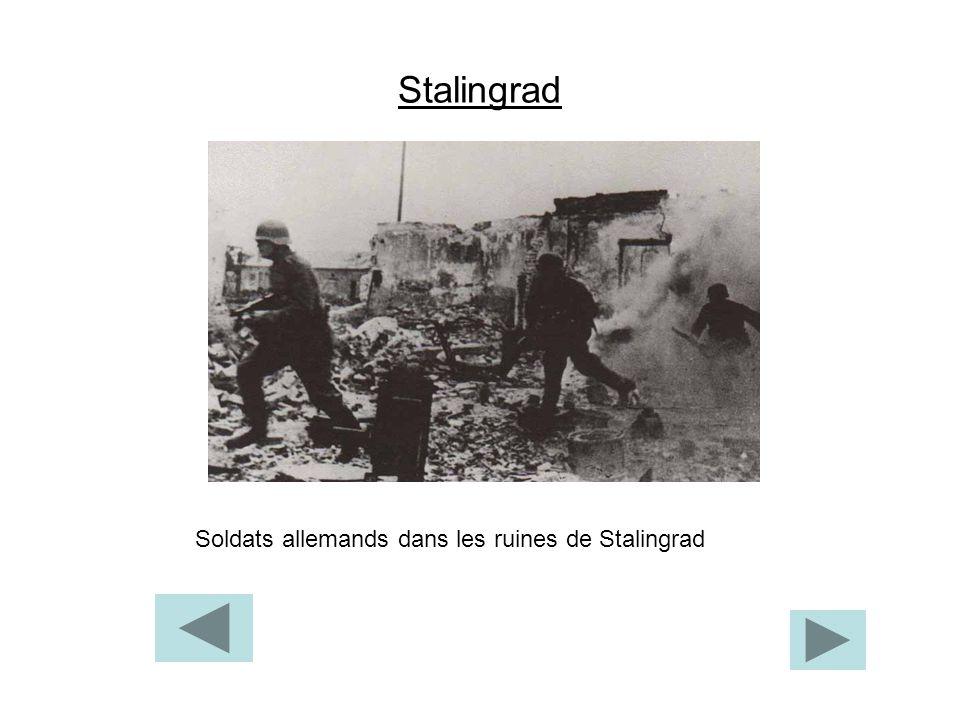 Stalingrad Soldats allemands dans les ruines de Stalingrad