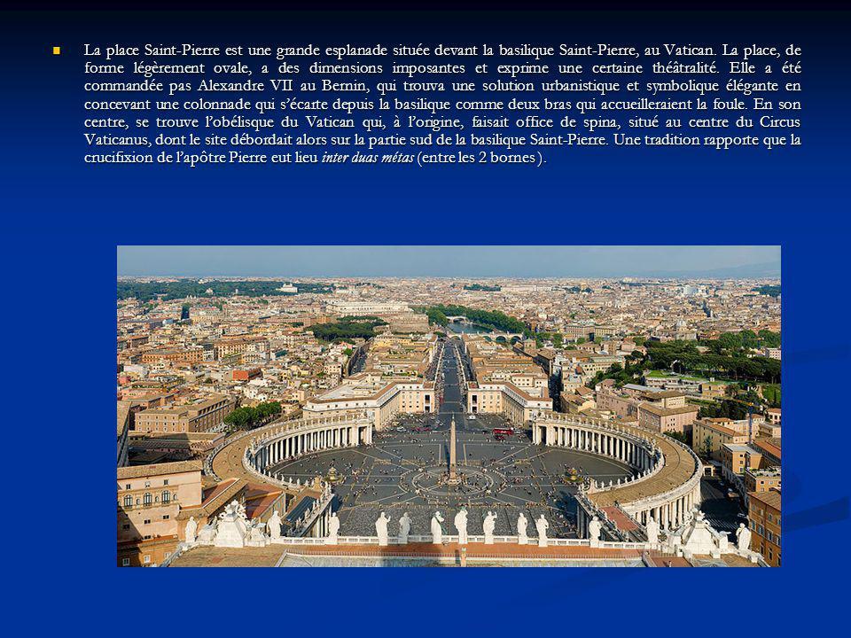 La place Saint-Pierre est une grande esplanade située devant la basilique Saint-Pierre, au Vatican. La place, de forme légèrement ovale, a des dimensi