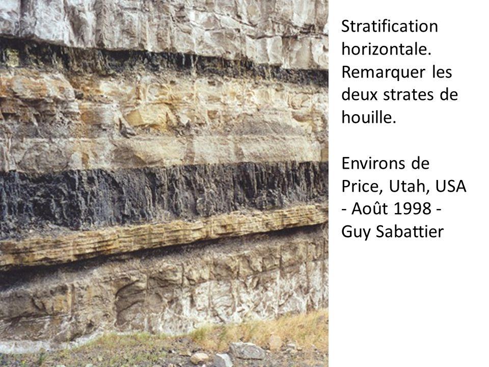 Stratification horizontale. Remarquer les deux strates de houille. Environs de Price, Utah, USA - Août 1998 - Guy Sabattier