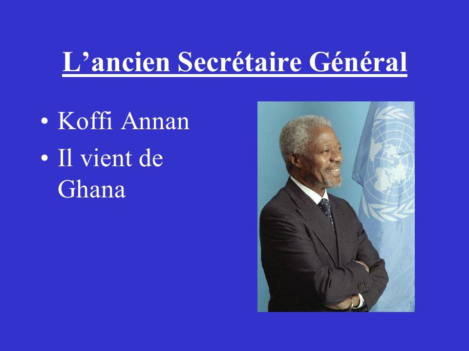 Lancien Secrétaire Général Koffi Annan Il vient de Ghana