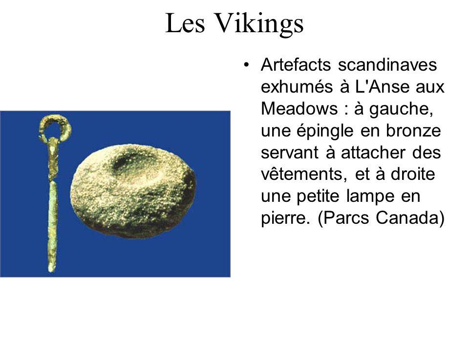 Les Vikings Artefacts scandinaves exhumés à L'Anse aux Meadows : à gauche, une épingle en bronze servant à attacher des vêtements, et à droite une pet