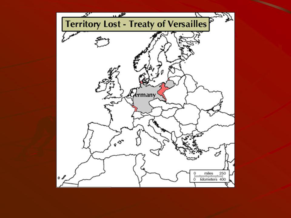 La faiblesse des démocraties libérales 1935-1936 Mai : Pacte franco-soviétique (unit la France à lURSS en cas dattaque allemande) Juin : Accord naval anglo-germanique (LAngleterre, inquiète du pacte franco- soviétique dirigé contre lAllemagne, cherche à équilibrer les forces sur le continent.