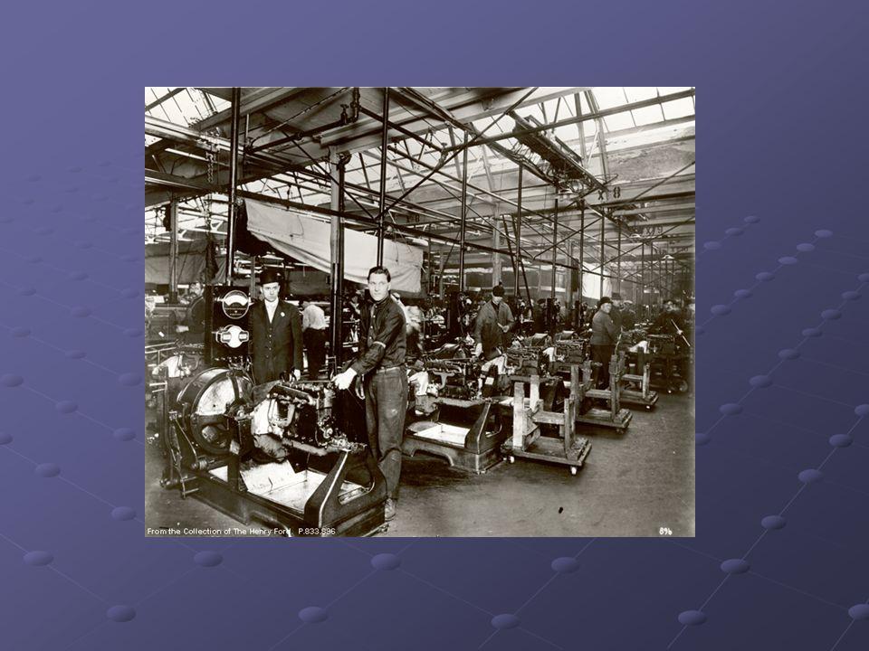 Une économie en perte de vitesse pour dautres personnes Le boom économique des années 1920 na pas atteint les Maritimes où léconomie ralentissait ou déclinait.
