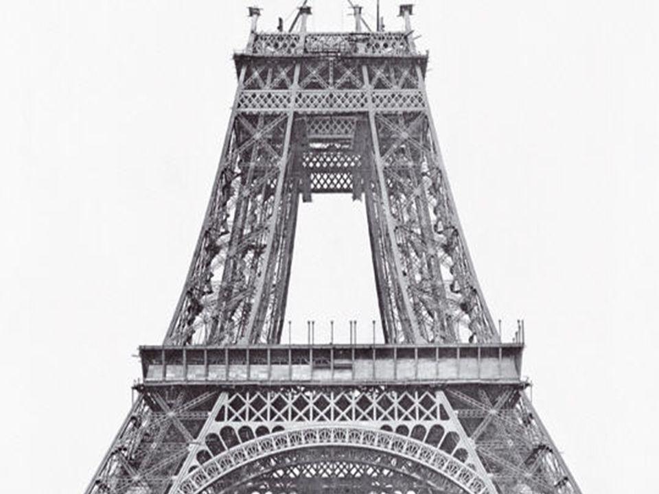 Dirigeable au dessus des Champs Elysée en 1908