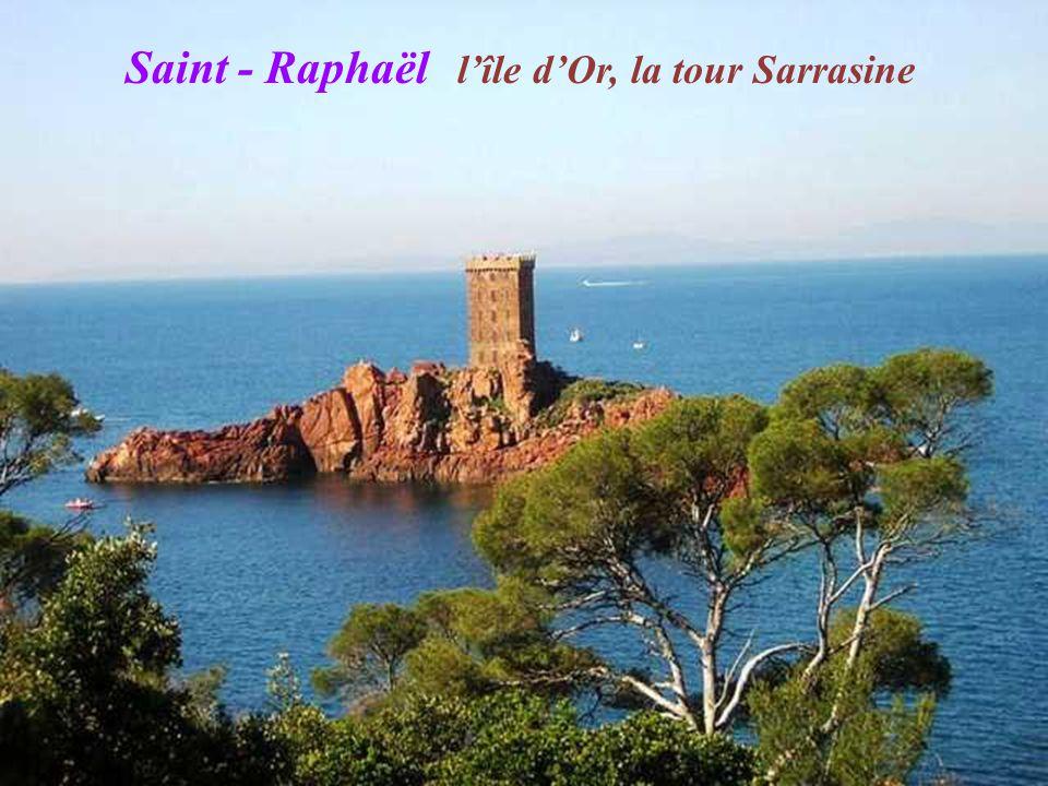 Saint - Raphaël Le Trayas, massif de lEsterel Cap lEsterel