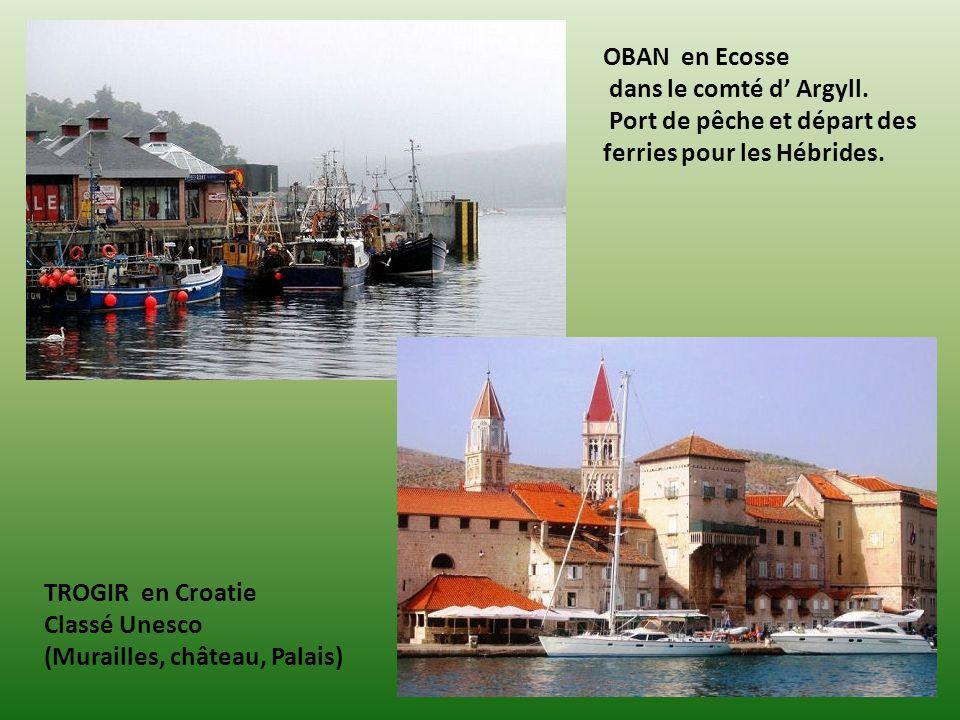 AGIOS NIKOLAOS en Crète Coucher de soleil sur le port. NAOUSSA en Grèce sur lile de Paros dans Larchipel des Cyclades