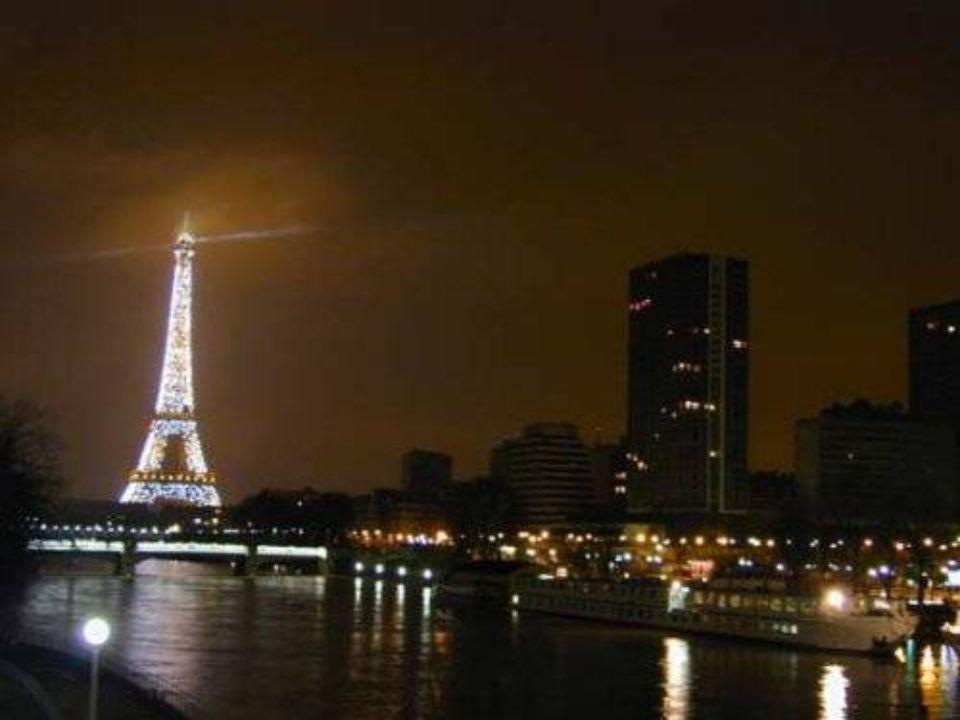 La Tour Eiffel est une tour de fer puddlé construite par Gustave Eiffel et ses collaborateurs pour l Exposition universelle de 1889.