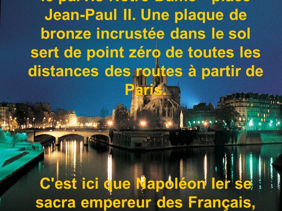 Notre-Dame de Paris n est pas la plus grande des cathédrales françaises, mais elle est indiscutablement une des plus remarquables qu ait produites l architecture en France et fut lors de son achèvement la plus grande cathédrale de la chrétienté.