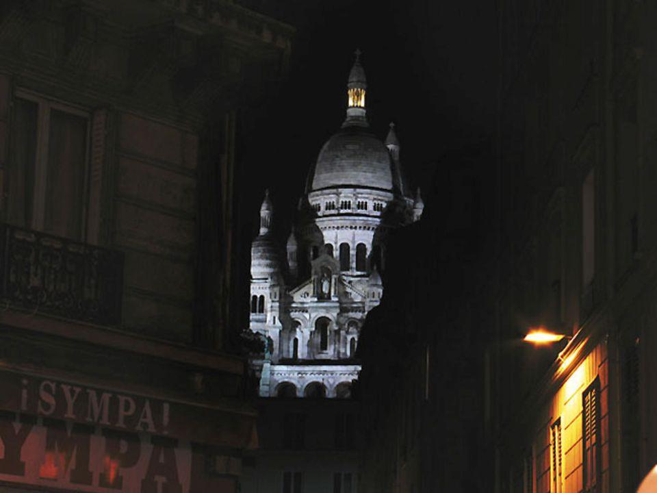 Sacré-Coeur La basilique du Sacré Coeur à Paris se situe sur la butte Montmartre et domine la capitale.