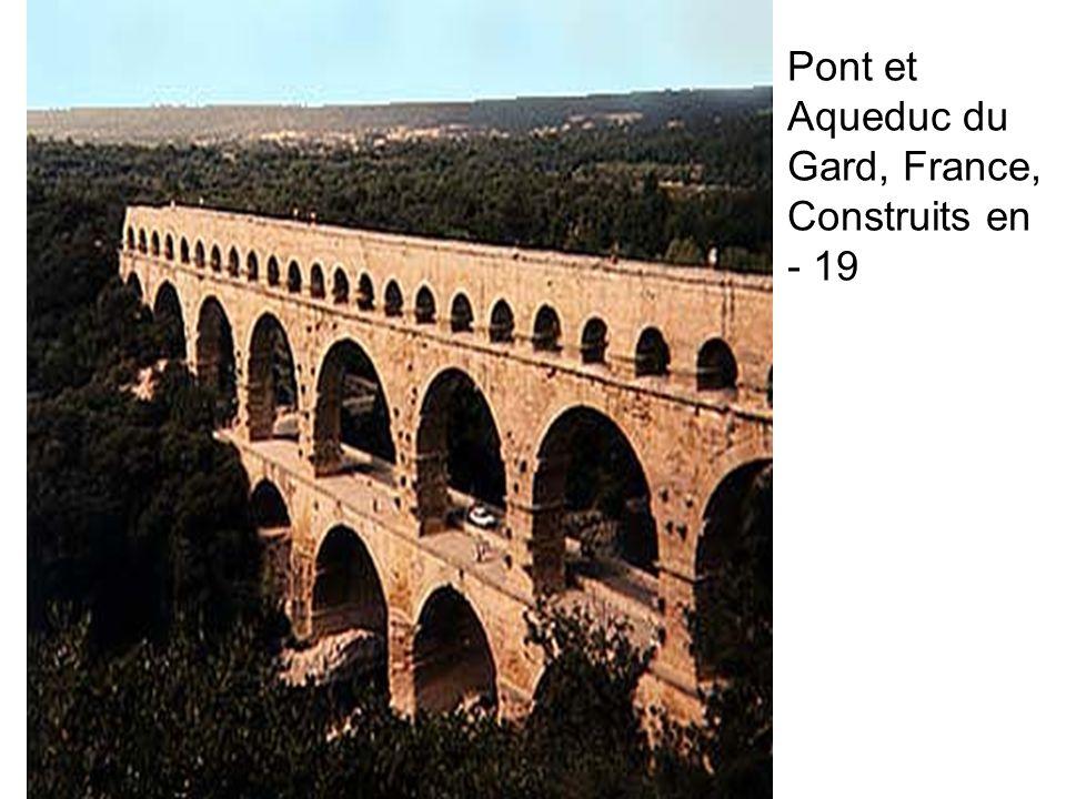 Pont et Aqueduc du Gard, France, Construits en - 19
