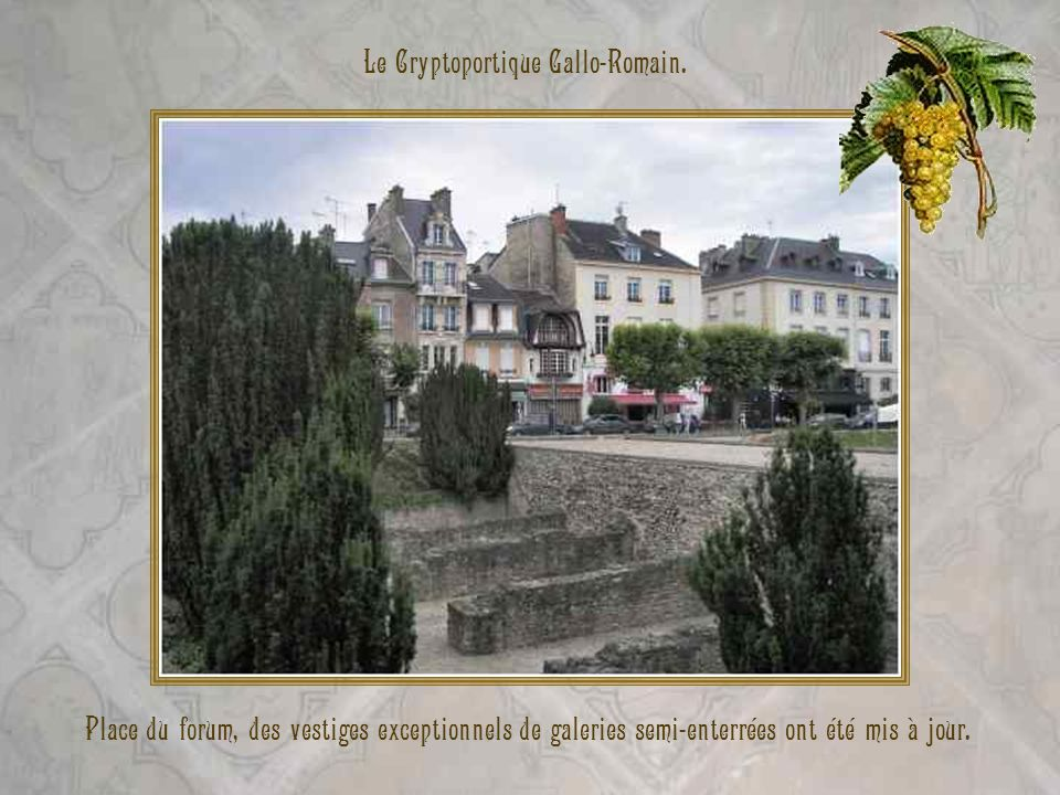 Musée-Hôtel Le Vergeur. Bâtiment du XVIIIe siècle, réaménagé au XIXe, qui abrite maintenant des expositions de peintures, de sculptures et objets dart