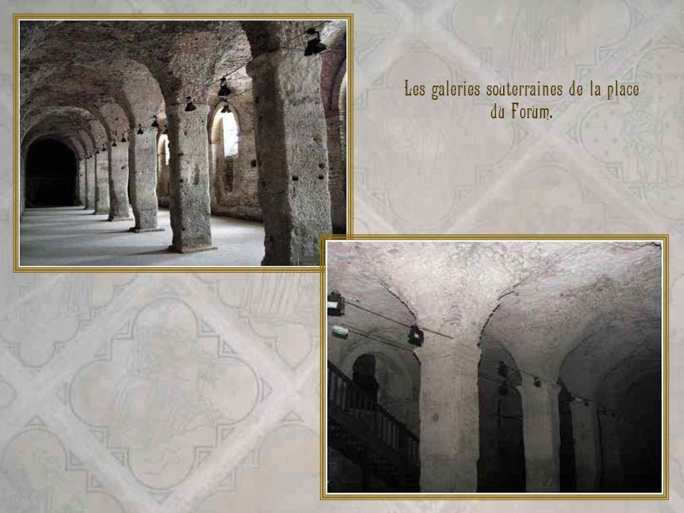 Le cryptoportique, lun des plus anciens monuments de Reims a été construit au début du IIIe siècle après J.C. Reims, qui sappelait alors Durocortorum,
