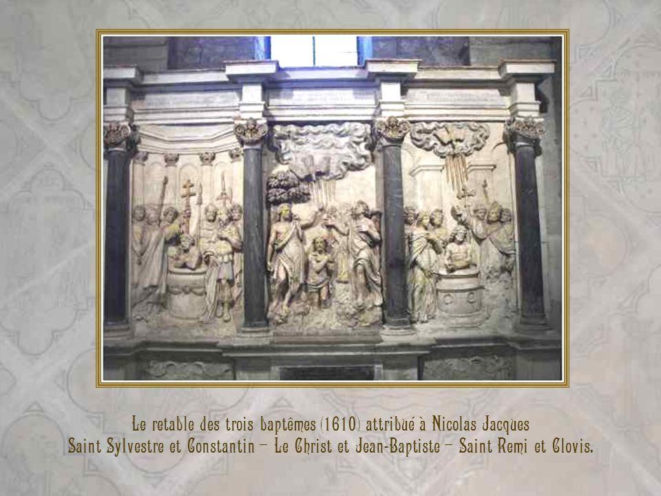 Christ de Pitié. Cette statue date du XVIe siècle Elle provient de léglise paroissiale Saint-Hilaire de Reims.