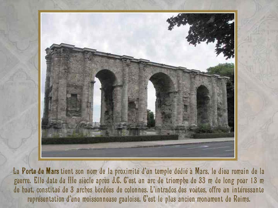 Le second volet de la visite de Reims nous emmènera au plus vieux monument de Reims qui est la Porte de Mars. Ensuite, nous passerons par léglise médi