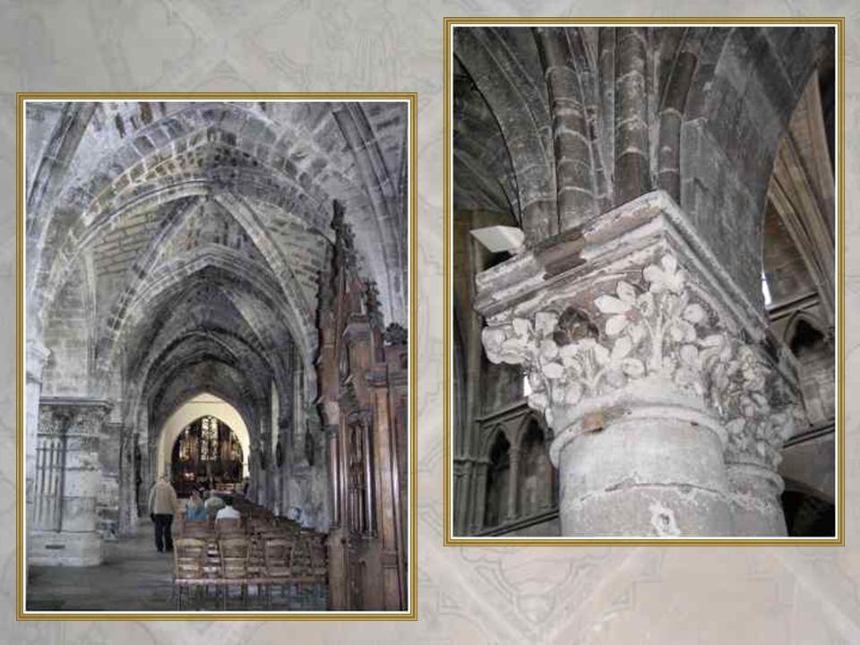 Ci-dessus, lAnnonciation (détail) Ci-dessus à droite, le Christ en croix (détail) Ci-contre, La Nativité ( détail)
