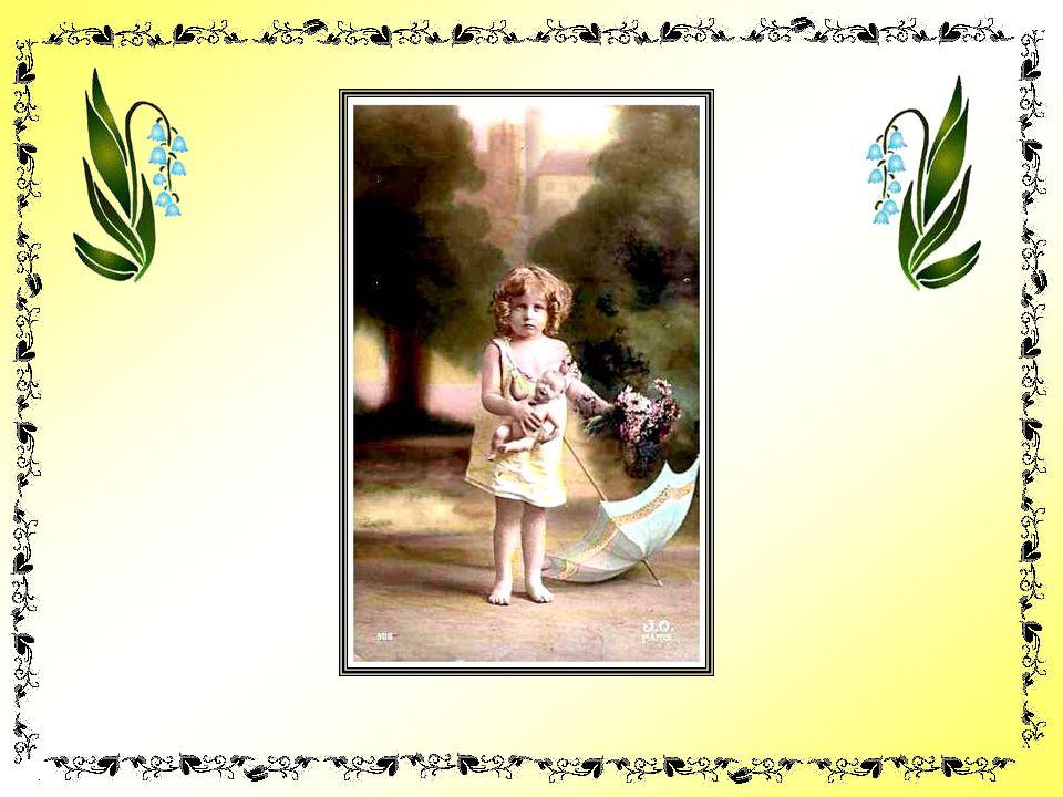 Maman prenait vite son plus beau bocal et les déposait dans celui-ci… Lodeur de ces fleurs de lilas parfumait tout lintérieur de la maison ! Cétait le
