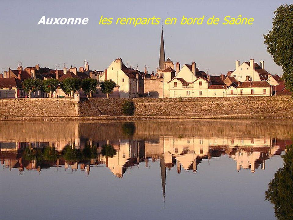 Porte de Comté XVIe siècle – Porte Royale XVIIe siècle Auxonne