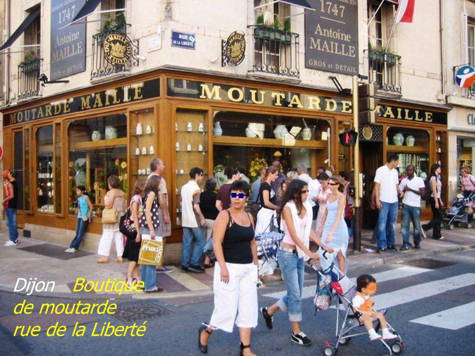 Dijon Boutique de moutarde rue de la Liberté