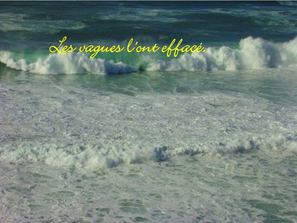 J ai écrit son nom sur le sable Algérie