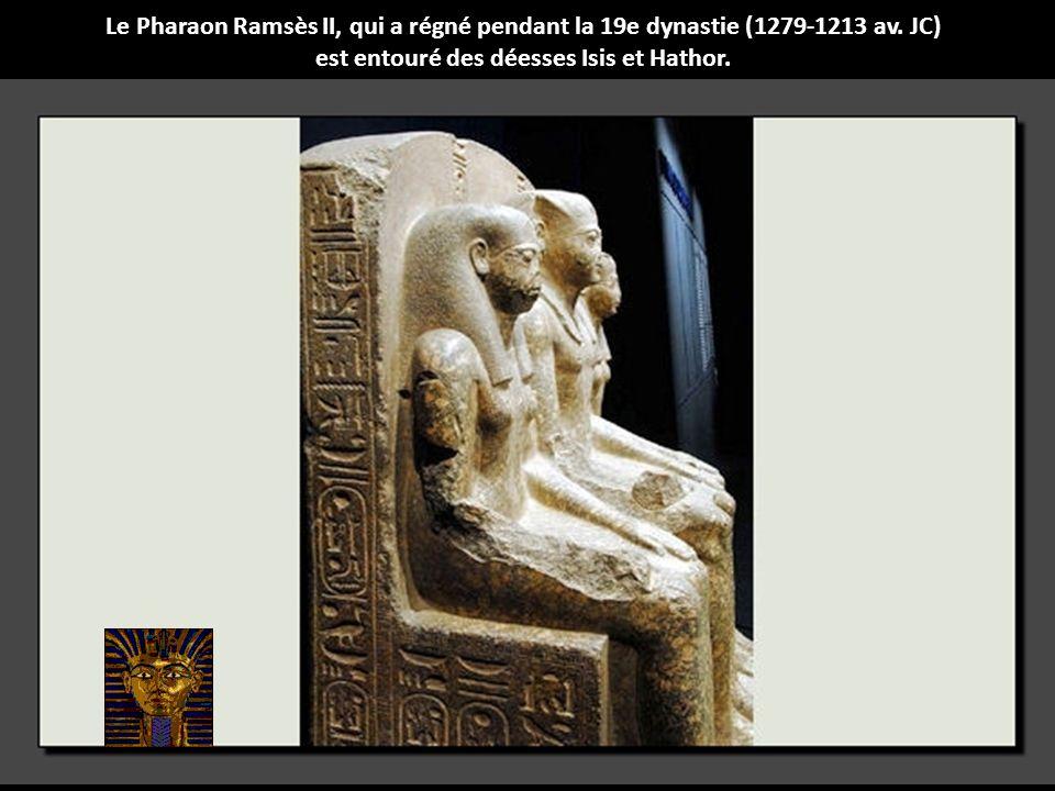 Diadème décoré de têtes de gazelles fait partie du trésor des trois épouses syriennes de Thoutmosis.