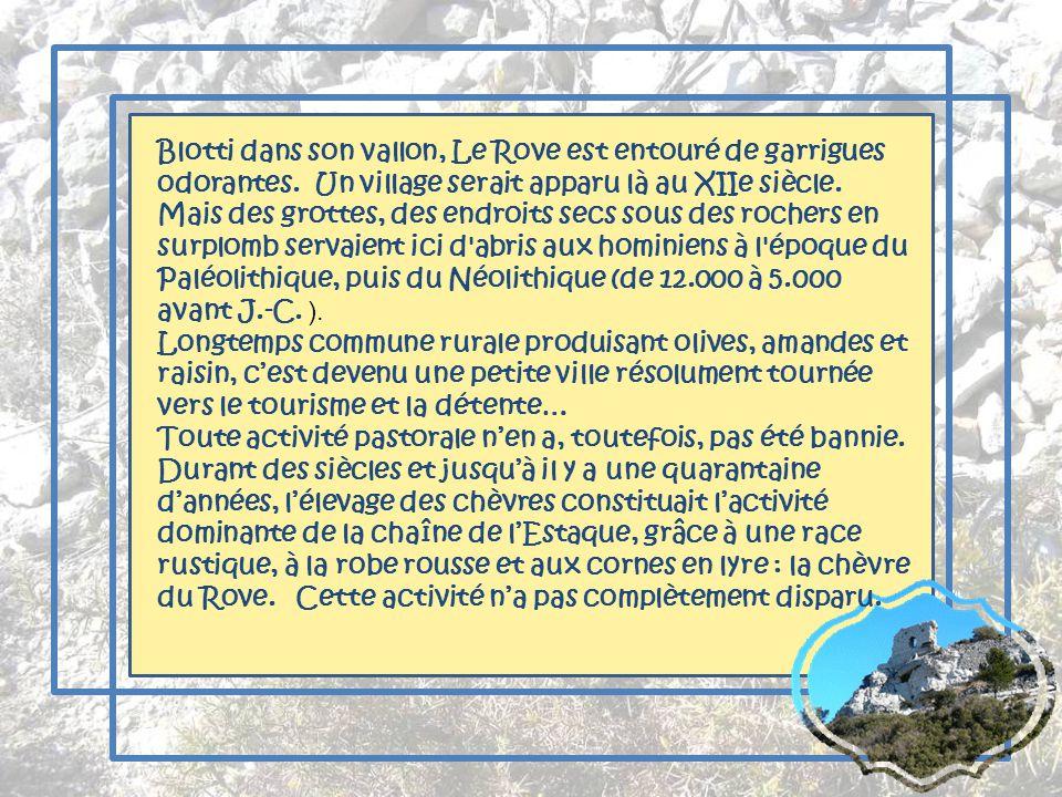 Nous dominons Le Rove et au loin, nous apercevons la chaîne de lEtoile. Dans le creux se niche Marseille.