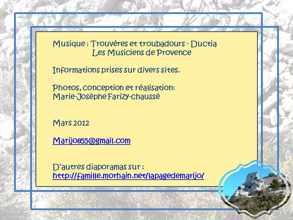 Du côté de Marignane, un avion dans le ciel nous rappelle que laéroport de Marseille nest pas loin!