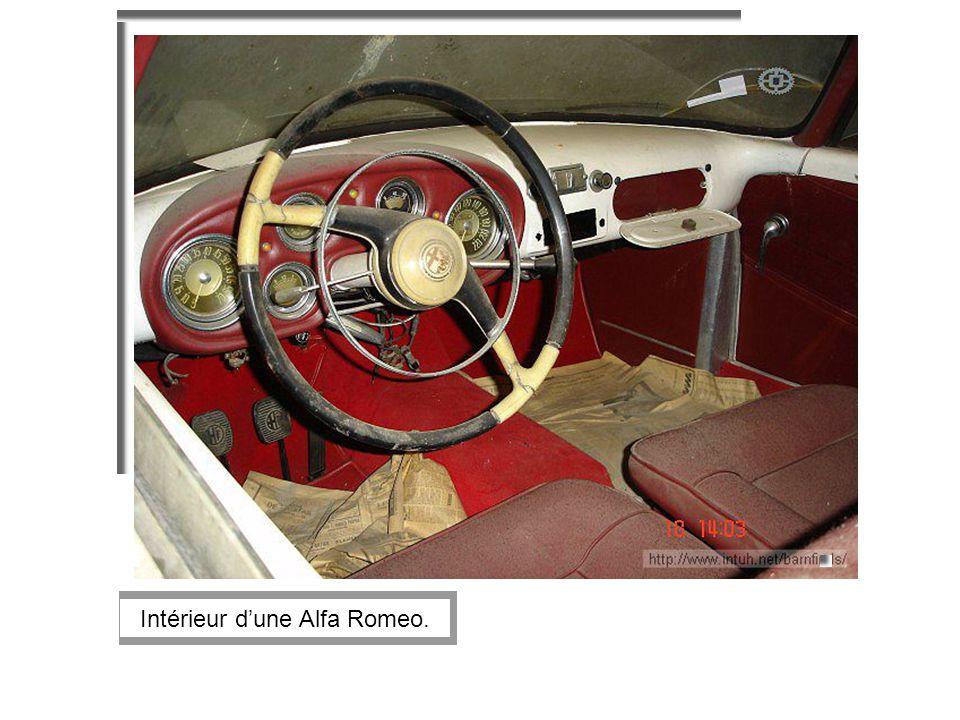 Intérieur dune Alfa Romeo.