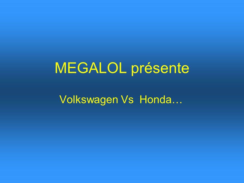 Un motard a percuté latéralement une Golf VW avec sa moto, à une vitesse de 250 Km/h, à un carrefour en Suède.