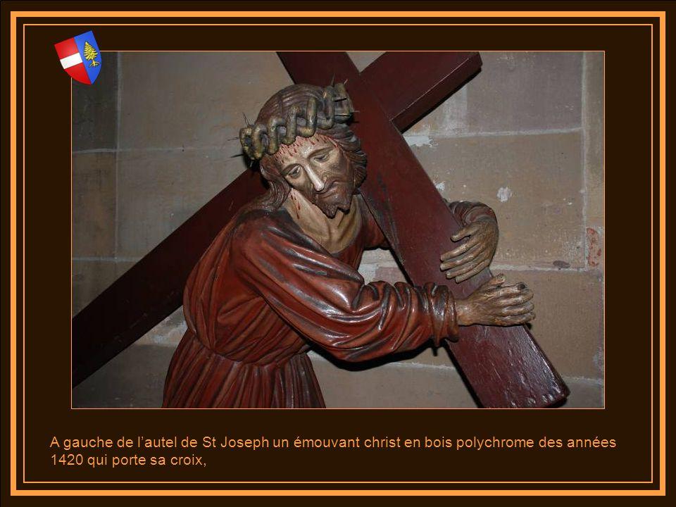 Lautel dédié à St Joseph a été réalisé par la maison Laurent de Nancy en 1855