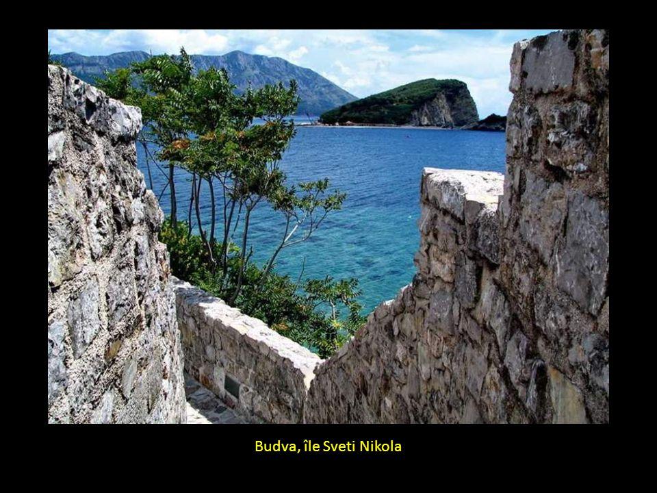 Ancienne route à Budva