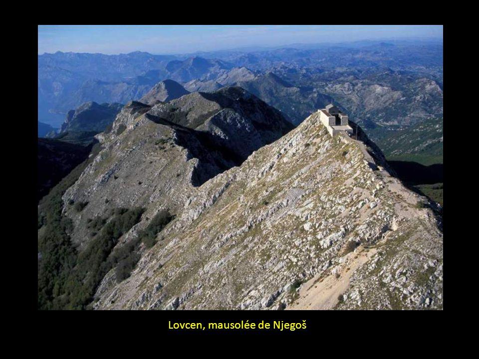Lovcen, mausolée de Njegoš