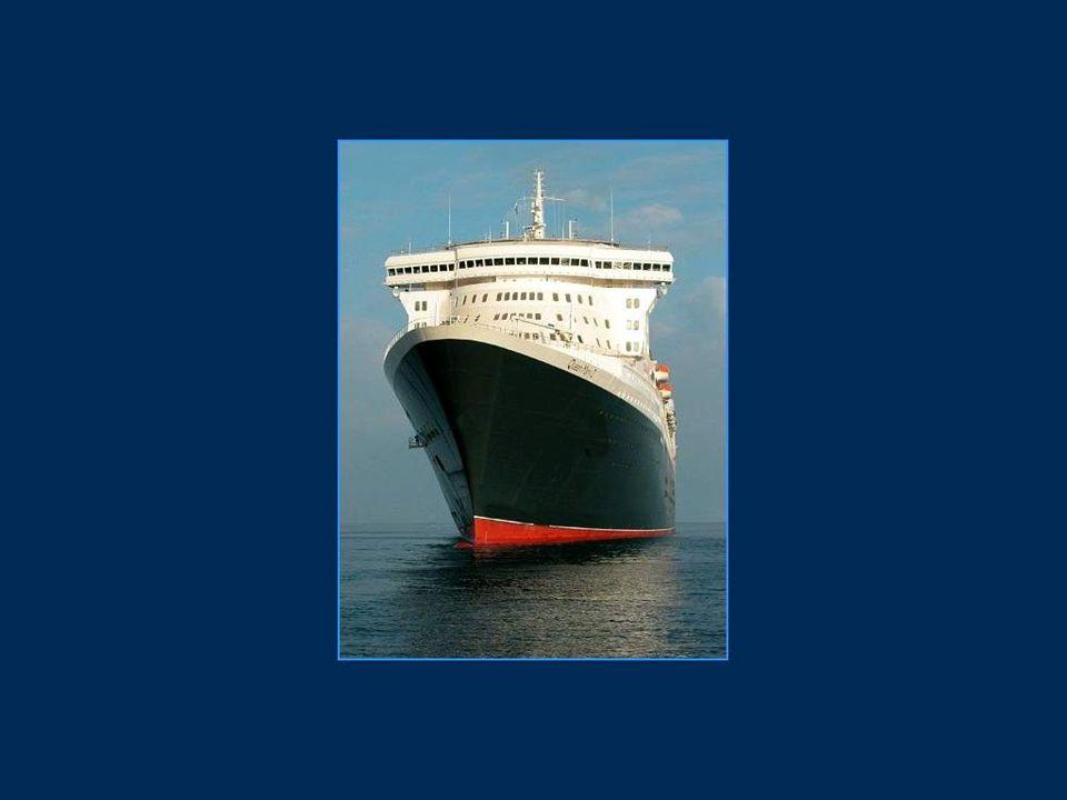 A bord du Queen Mary 2 on trouve 2 500 kilomètres de câbles électriques, 500 kilomètres de canalisations et de tuyaux, 2 000 salles de bains, 80 000 points d éclairage, 250 000 mètres carrés de moquette, 120 000 mètres carrés de matériau isolant, 3 200 mètres carrés de cuisine...