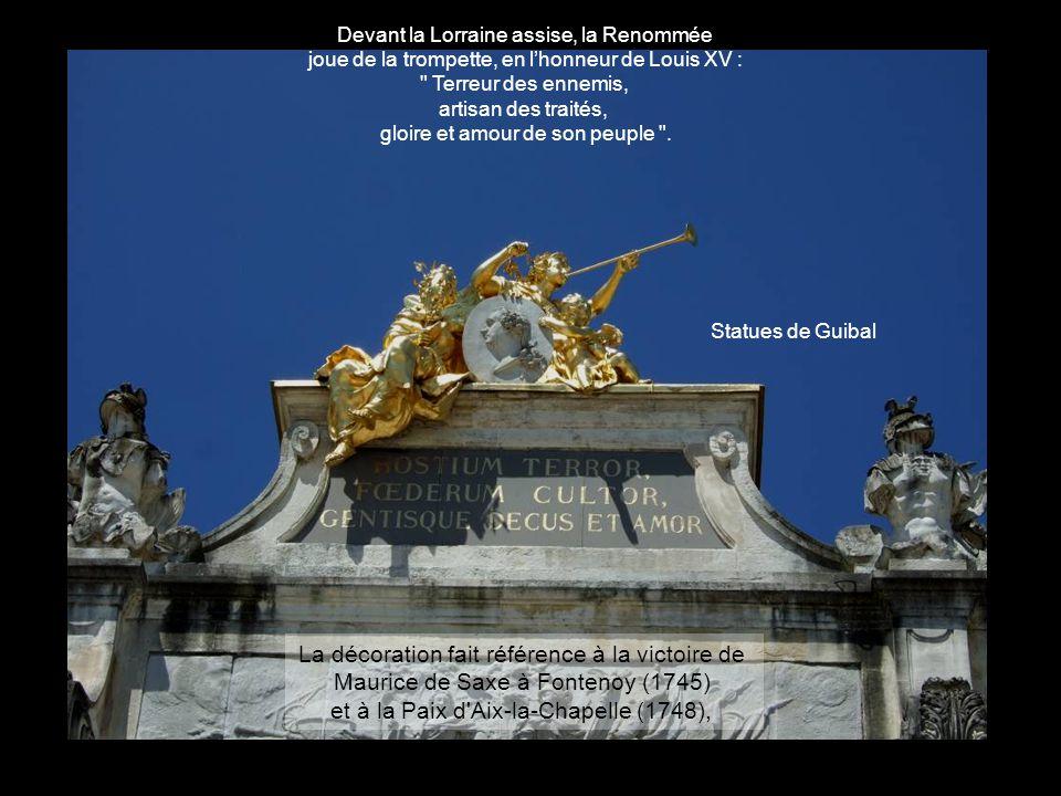 Le thème récurent du décor est la guerre et la paix (ponctué par des branches de laurier entrelacées avec celles d'olivier). Prince pacifique Prince v