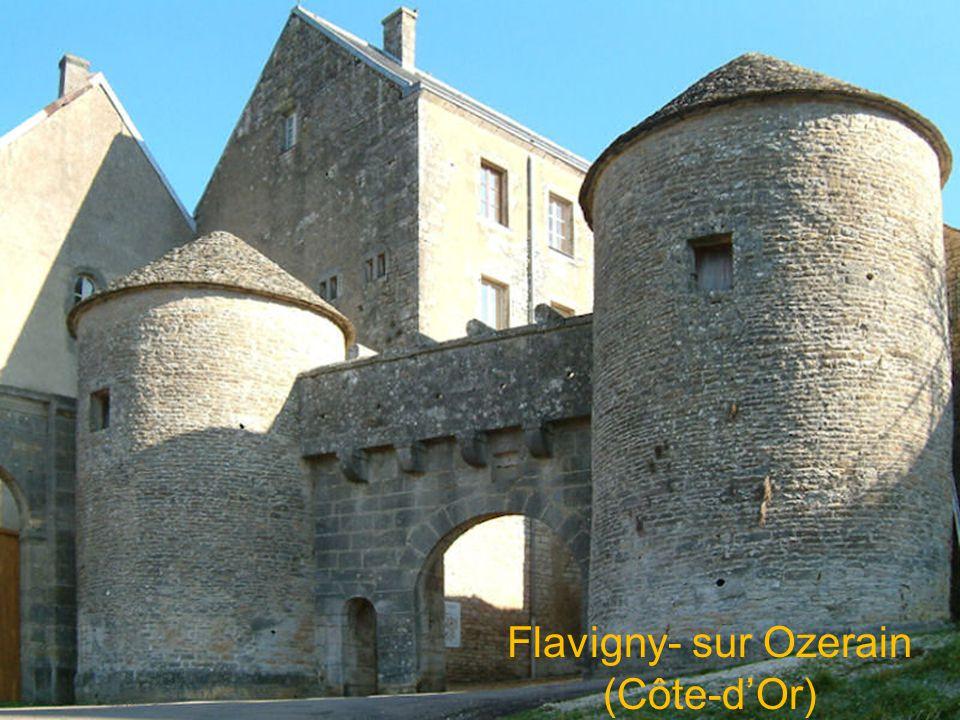 Flavigny- sur Ozerain (Côte-dOr)