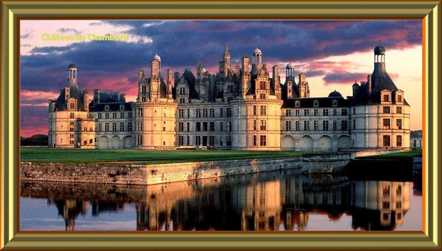 Château de Versailles – La Cour de Marbre Château de Versailles – La Cour de Marbre