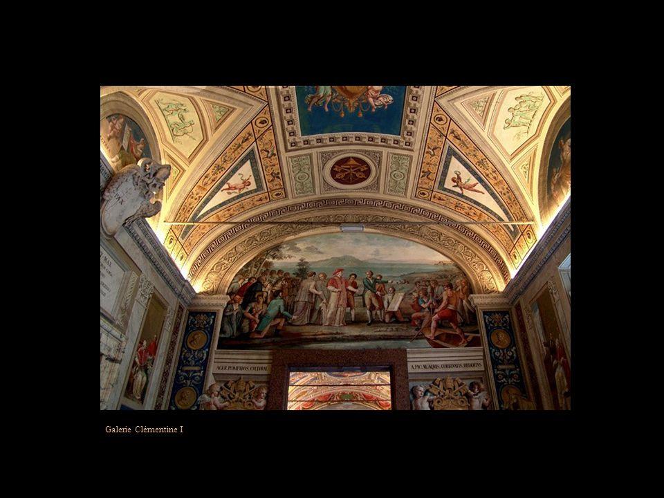Plafond de la salle des Archives Pontificales