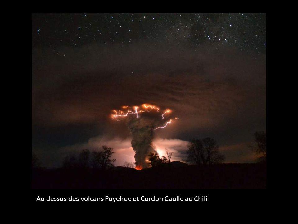 Au dessus des volcans Puyehue et Cordon Caulle au Chili