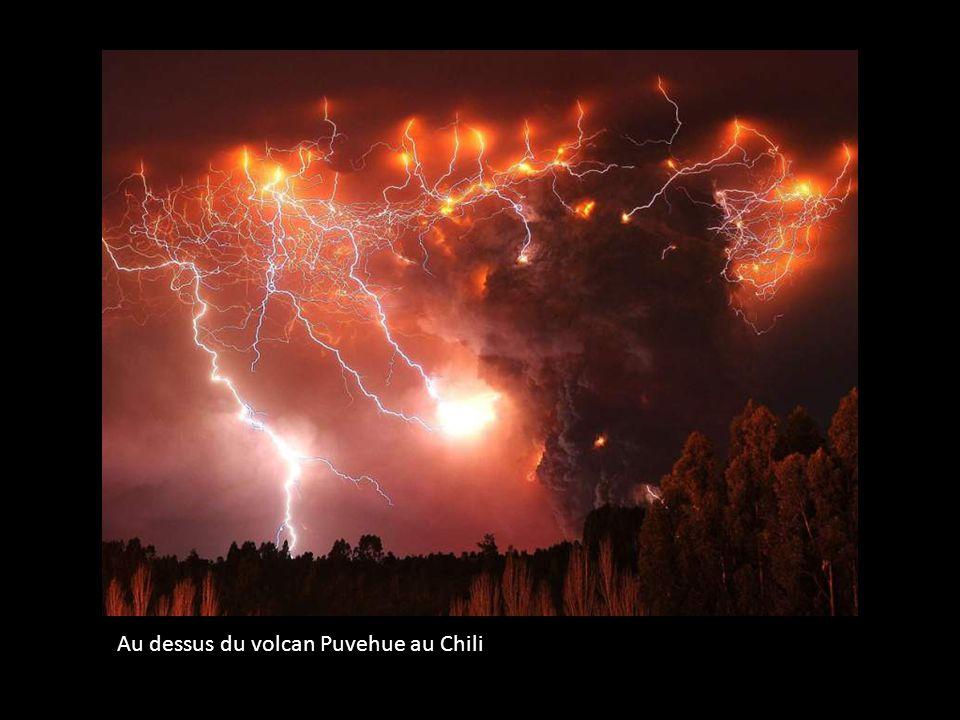 Au dessus du volcan Puvehue au Chili