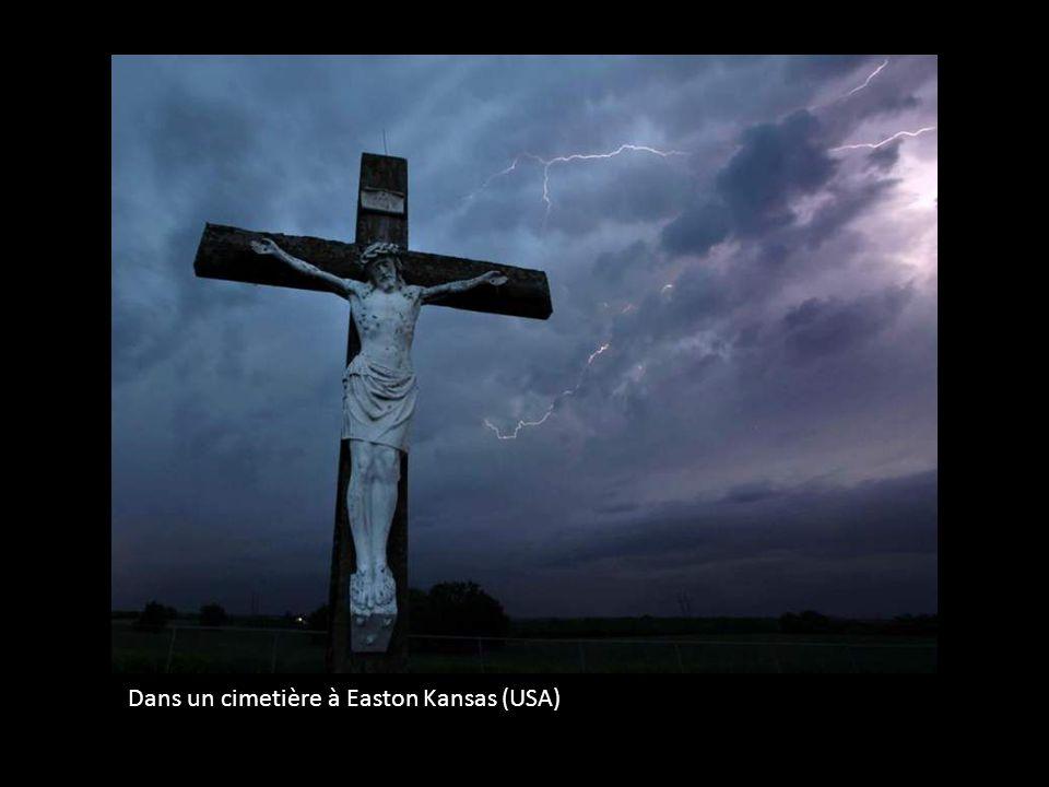 Dans un cimetière à Easton Kansas (USA)