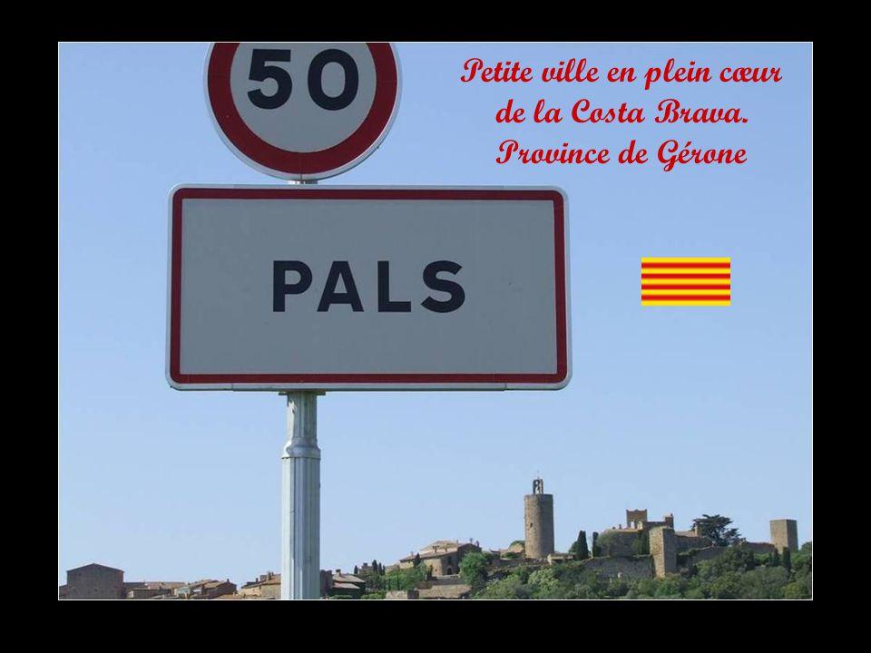 Petite ville en plein cœur de la Costa Brava. Province de Gérone